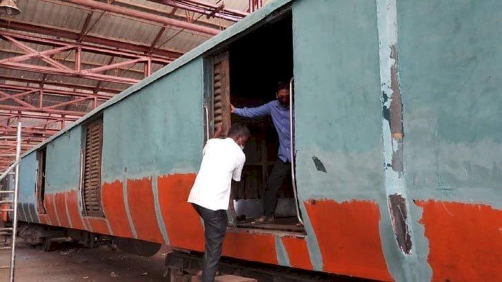 সৈয়দপুর রেলওয়ে কারখানায় মেরামত হচ্ছে ৪০০ কোচ